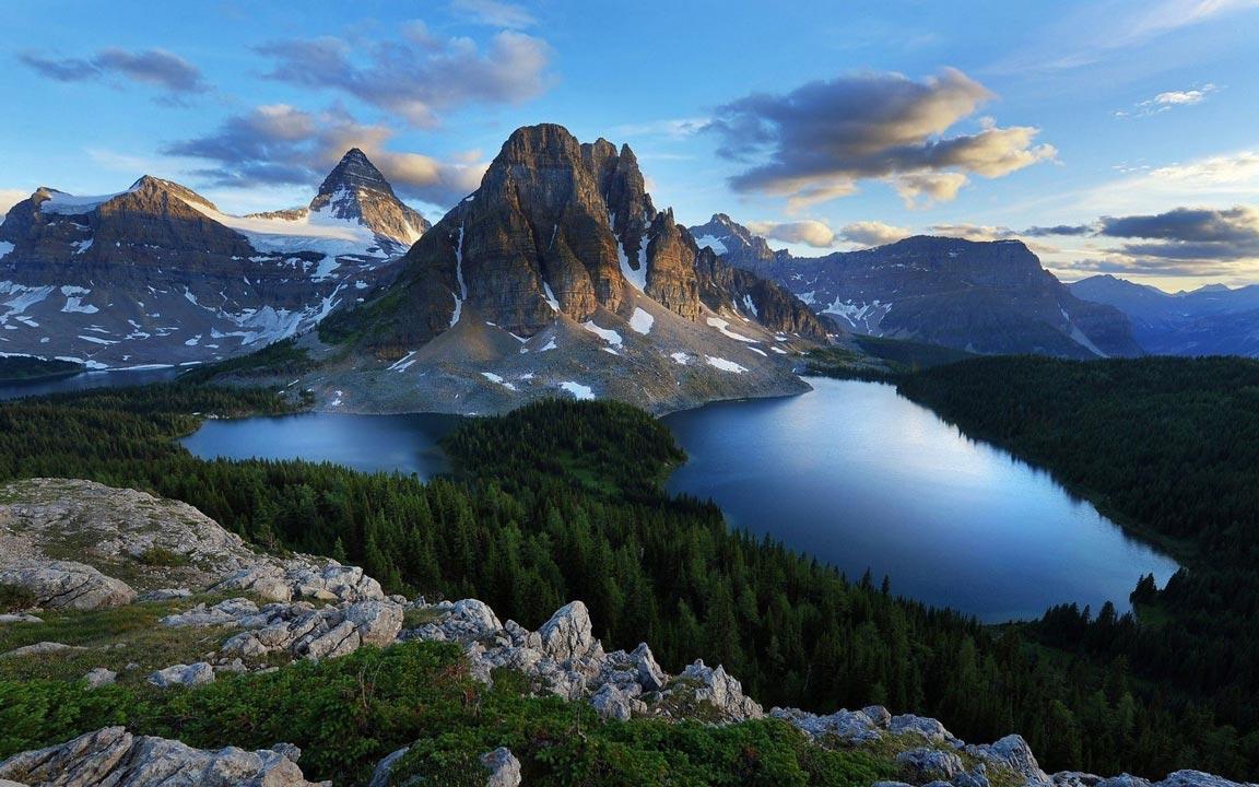 mountain-lake-bg